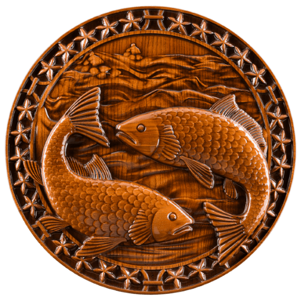 Резное панно Рыбы