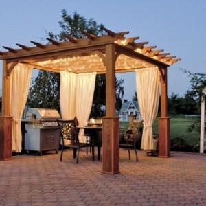 Пергола деревянная с подсветкой и шторами