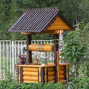Эксклюзивный деревянный колодец с крышей