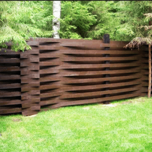 Рельефный сосновый забор