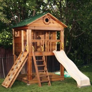 игровой домик с детской горкой