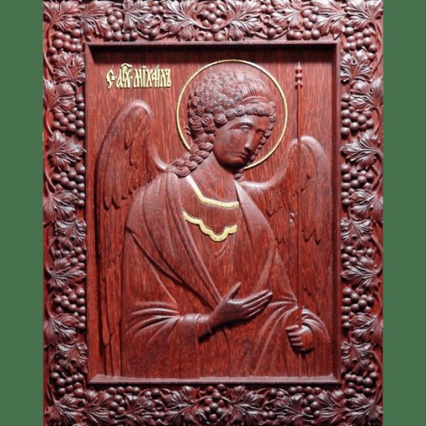 Резная икона из дерева Архангел Михаил