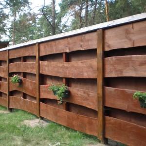 Двухслойный деревянный забор из досок