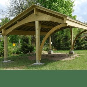 Деревянный навес для частного дома