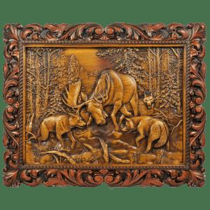Панно Битва с волками из дерева