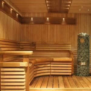 Дизайнерская деревянная обшивка парной