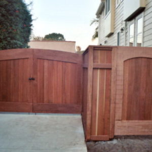 Redwood_paneled_gates_fence