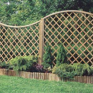 Деревянные шпалеры для вьющихся растений