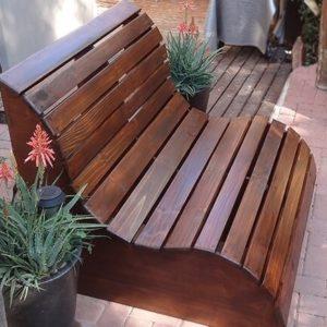 Садовые скамейки и лавочки из дерева для дачи